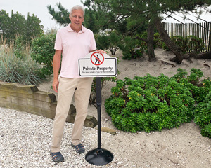 This is not a public right of way private property sign