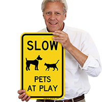 Slow Pets At Play Sign
